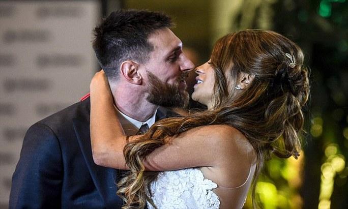 Sao bóng đá tề tựu dự đám cưới Messi - Ảnh 1.
