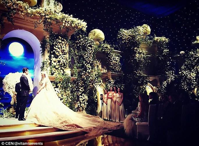 Đám cưới con tài phiệt Nga khiến Hollywood choáng ngợp - Ảnh 2.