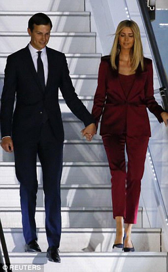 Vợ chồng Ivanka Trump ngọt ngào đến lạ - Ảnh 2.
