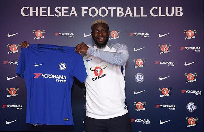 Man City đón tân binh thứ 4, Chelsea ra mắt Bakayoko - Ảnh 2.