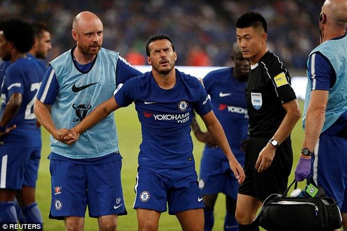 Pedro nhập viện cấp cứu trận Chelsea đại thắng Arsenal - Ảnh 4.