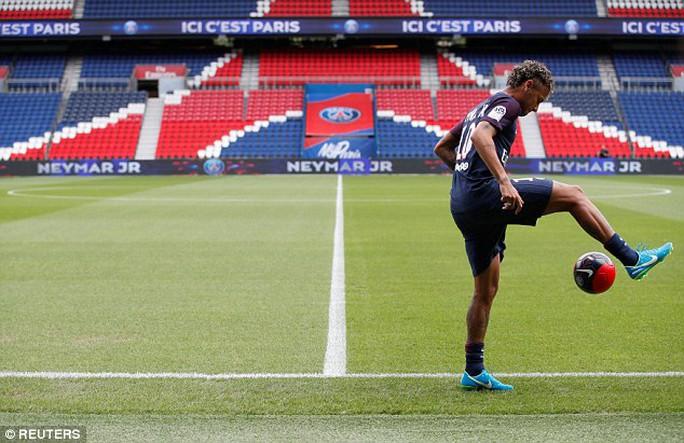 Neymar: Thật buồn khi mọi người nghĩ tôi đến PSG vì tiền - Ảnh 3.
