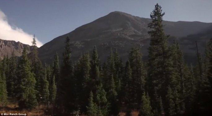 Mua trang trại khủng, sở hữu cả ngọn núi - Ảnh 3.