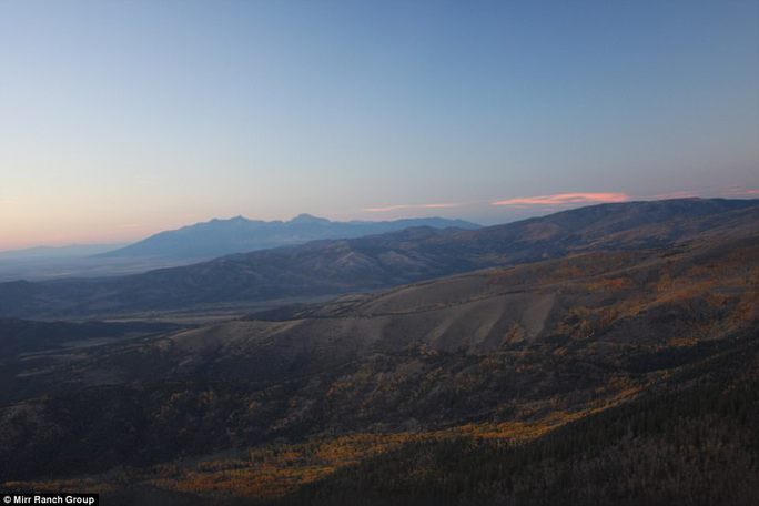 Mua trang trại khủng, sở hữu cả ngọn núi - Ảnh 7.