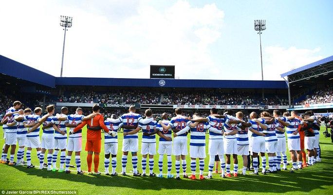 Mourinho làm thủ môn, đội nhà thủng lưới liền 6 bàn - Ảnh 2.