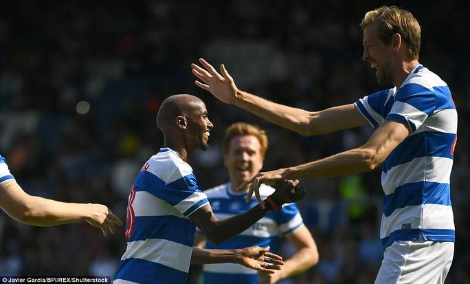 Mourinho làm thủ môn, đội nhà thủng lưới liền 6 bàn - Ảnh 3.