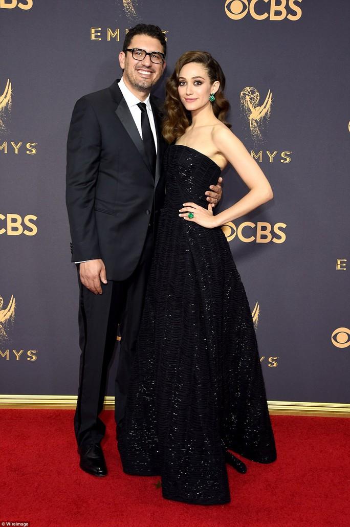 Sofia Vergara đánh cắp hào quang thảm đỏ Emmy - Ảnh 6.