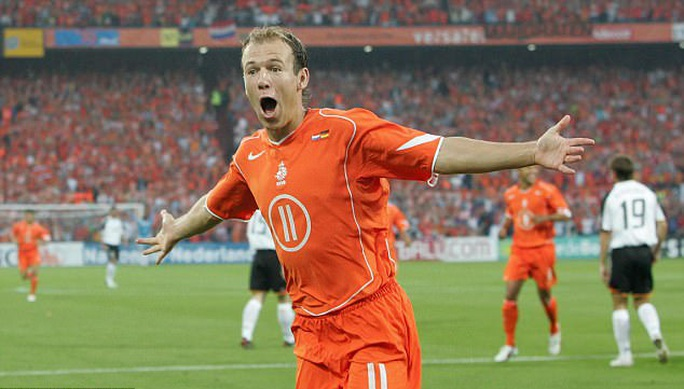 Hà Lan không tranh nổi vé vớt, Robben giã từ đội tuyển - Ảnh 2.
