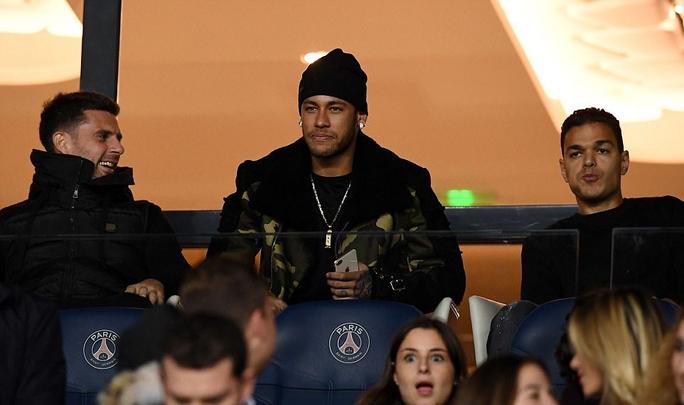 Cavani tỏa sáng trong trận cầu vắng Neymar - Ảnh 1.