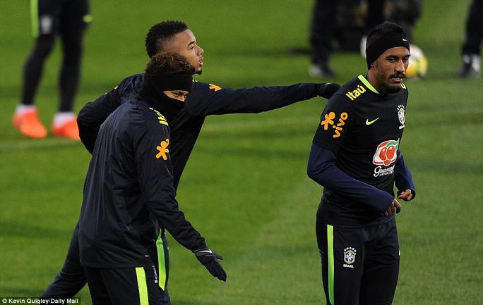 HLV tuyển Brazil: Tôi không có vấn đề gì với Neymar! - Ảnh 5.