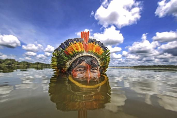 Cận cảnh đời sống của thổ dân nguyên thủy - Ảnh 1.