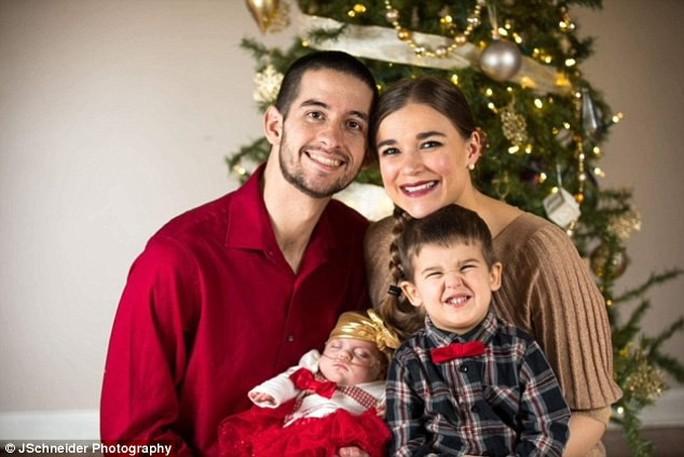 Bị sinh non trước 4 tháng, bé gái nhỏ như lon Coca - Ảnh 6.