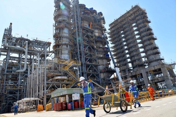 Ngắm bên trong công trường bảo dưỡng Nhà máy lọc dầu hàng tỉ USD - Ảnh 1.