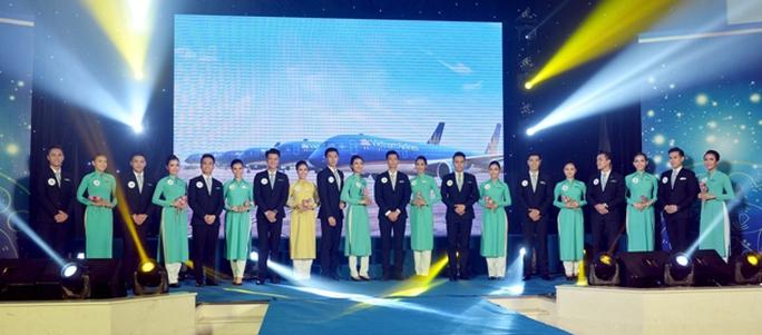 Tiếp viên Vietnam Airlines catwalk cực chuẩn trong cuộc thi tài sắc - Ảnh 8.