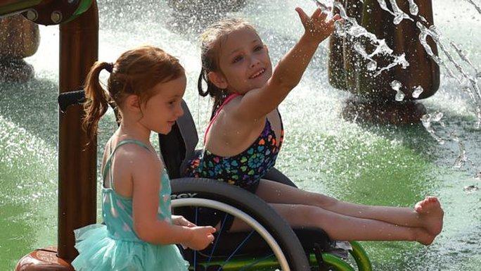 Cha xây công viên giải trí 51 triệu USD cho con gái khuyết tật - Ảnh 5.