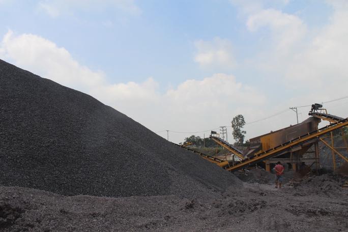Cận cảnh khu mỏ đá và trạm BOT liên quan phó bí thư Đồng Nai - Ảnh 5.