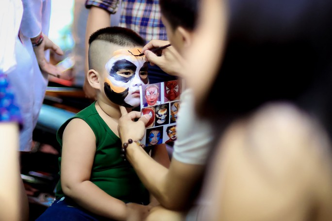 Ai sướng nhất đêm Halloween ở Sài Gòn? - Ảnh 2.