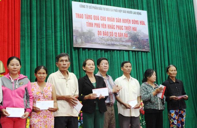 Công ty Đèo Cả và Báo Người Lao Động cứu trợ vùng tâm bão - Ảnh 2.