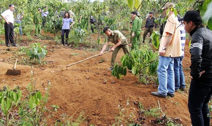 Nơi nghi can Nguyễn Thành Đức chôn thi thể nạn nhân Vũ Di Hành ở tỉnh Lâm Đồng