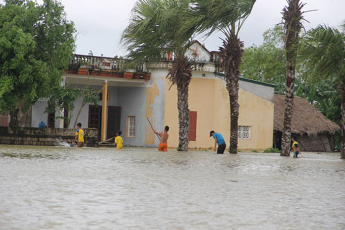 Bắc Trung Bộ khốn đốn vì mưa lũ - Ảnh 2.