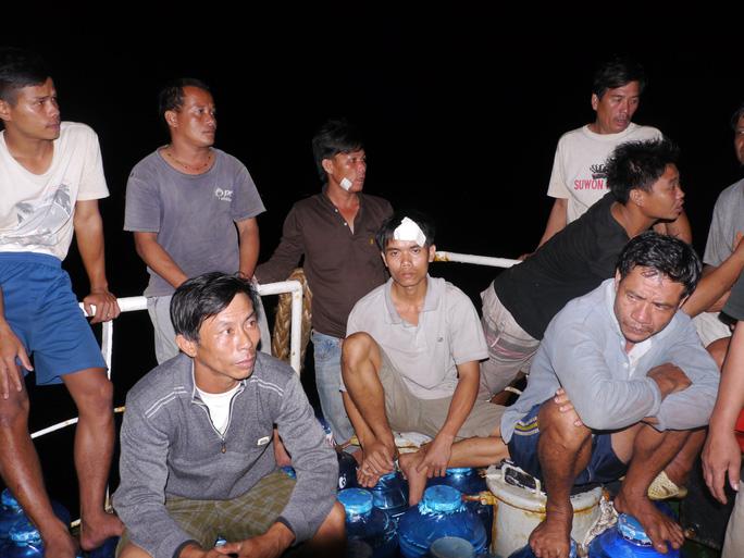 Các ngư dân tàu cá bị tàu chở dầu Mariana đâm chìm may mắn thoát chết