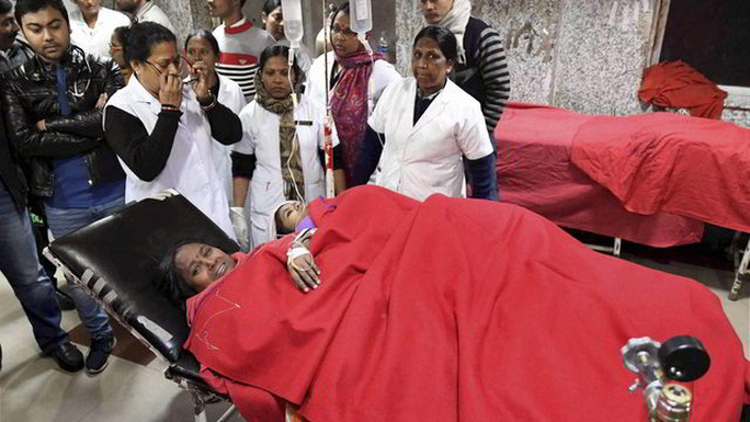 Nạn nhân vụ tai nạn lật thuyền ở Ấn Độ. Ảnh: PTI