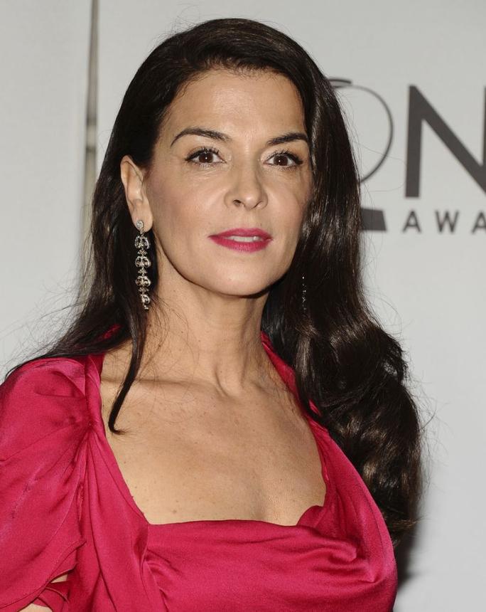 Người đẹp Annabella tố ông trùm Hollywood cưỡng hiếp - Ảnh 1.