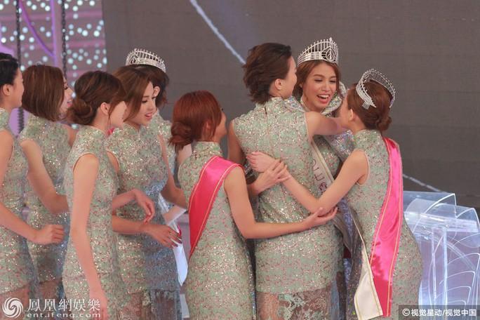 Cận cảnh nhan sắc Tân Hoa hậu Hồng Kông 2017 - Ảnh 2.