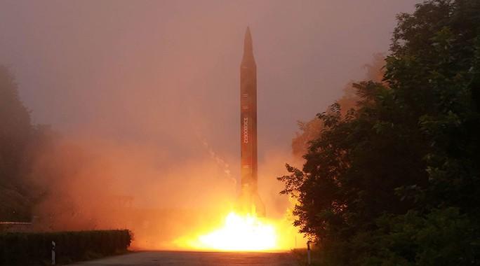 Triều Tiên khẳng định nước này phóng thử 4 tên lửa là một phần của cuộc diễn tập nhắm mục tiêu vào căn cứ quân sự của Mỹ ở Nhật Bản. Ảnh: Reuters
