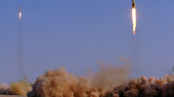 Iran nã tên lửa vào Syria - Ảnh 1.