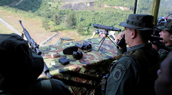 Bị Mỹ đe dọa, Venezuela tập trận rầm rộ - Ảnh 3.