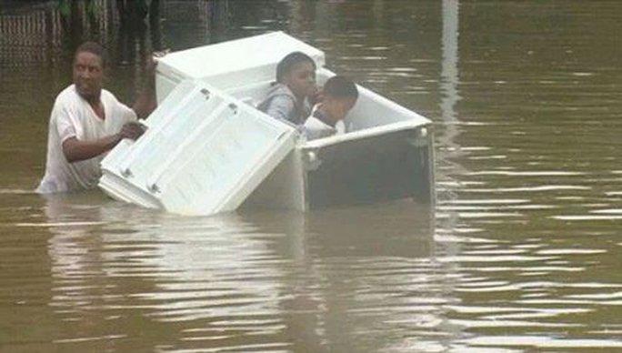Cảnh giác trò lừa đảo quanh siêu bão Harvey - Ảnh 4.