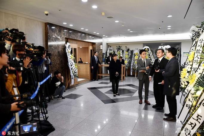 Nhiều sao Hàn tiễn đưa Kim Joo Hyuk - Ảnh 3.