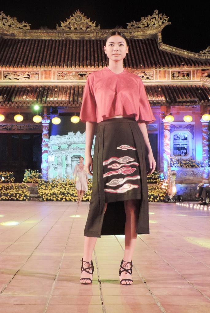 Ấn tượng thời trang tại Đêm lụa Phương Đông huyền ảo          - Ảnh 7.