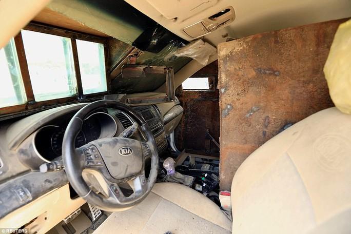 """Iraq: Tham quan """"nghĩa địa"""" xe đánh bom tự sát của IS - Ảnh 4."""
