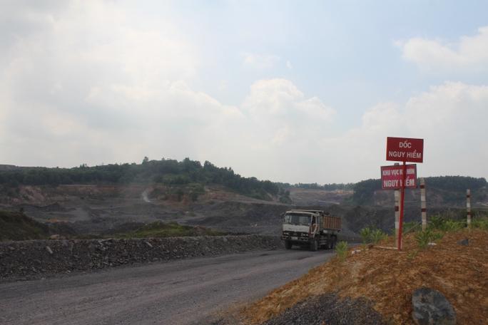 Cận cảnh khu mỏ đá và trạm BOT liên quan phó bí thư Đồng Nai - Ảnh 6.