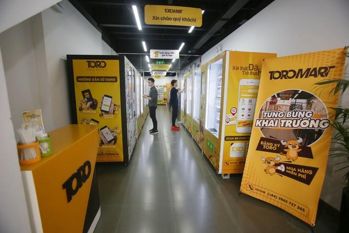 Lần đầu tiên TP HCM có cửa hàng tiện lợi không người bán - Ảnh 3.