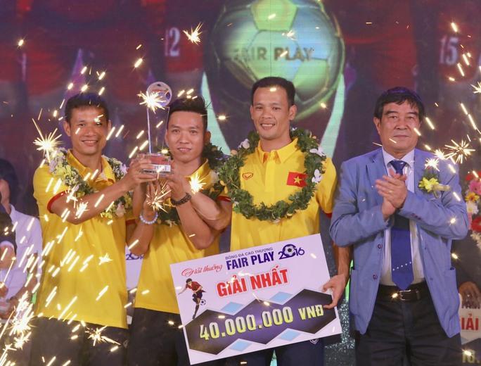 ĐTQG Futsal đoạt giải Fair Play 2016