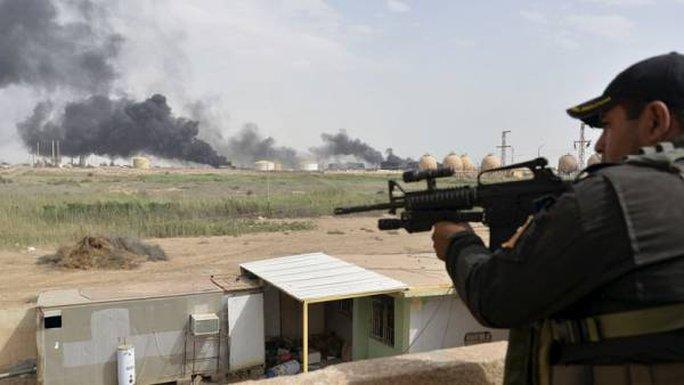 """""""Tay súng bắn tỉa chính"""" Abu Hajir al-Rusi của IS đã thiệt mạng tại Mosul. Ảnh: TASS"""
