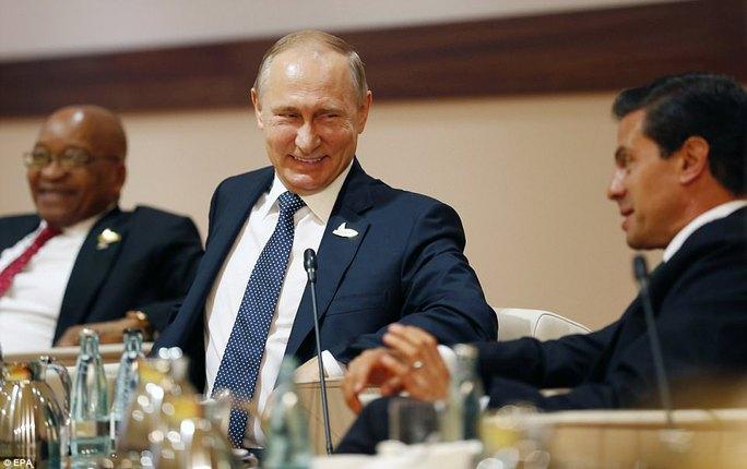 Tổng thống Mỹ - Nga lần đầu gặp nhau - Ảnh 12.