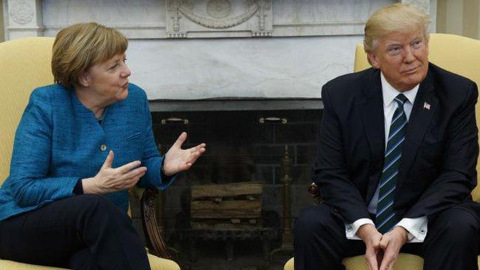 Thủ tướng Đức Angela Merkel và Tổng thống Mỹ Donald Trump trong cuộc gặp tại Nhà Trắng ngày 17-3. Ảnh: AP