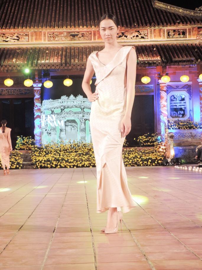 Ấn tượng thời trang tại Đêm lụa Phương Đông huyền ảo          - Ảnh 9.