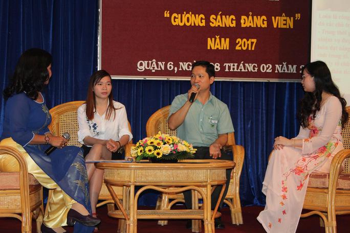 Anh Nguyễn Văn Tịnh, Công ty TNHH May Thuận Phương, giao lưu tại lễ tuyên dương đảng viên tiêu biểu do LĐLĐ quận 6, TP HCM tổ chức