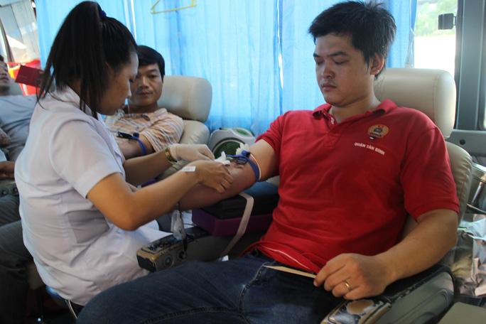 Ngày hội hiến máu tình nguyện - Ảnh 1.