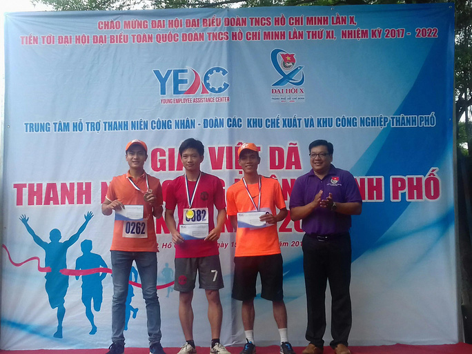 Tưng bừng Giải Việt dã Thanh niên Công nhân TP HCM - Ảnh 1.