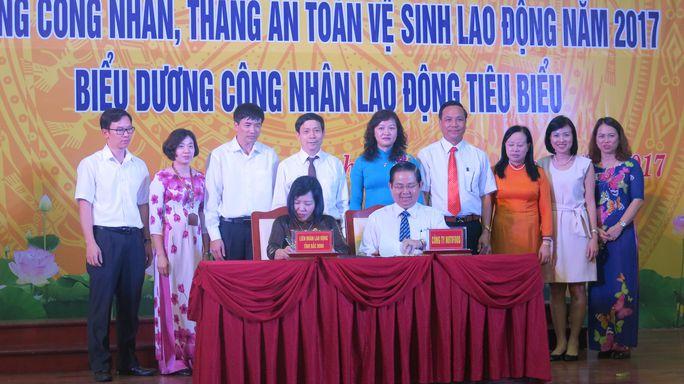LĐLĐ tỉnh Bắc Ninh và NutiFood ký kết chương trình phối hợp chăm lo cho công nhân