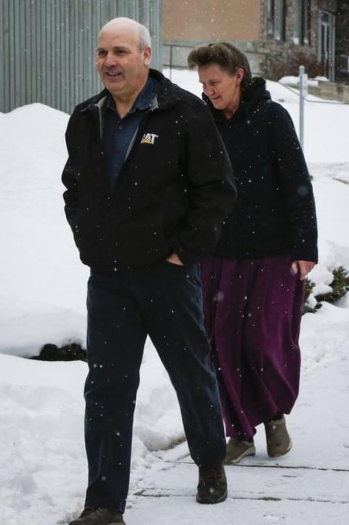 Canada: Bị kết tội vì cưới… 25 vợ - Ảnh 2.