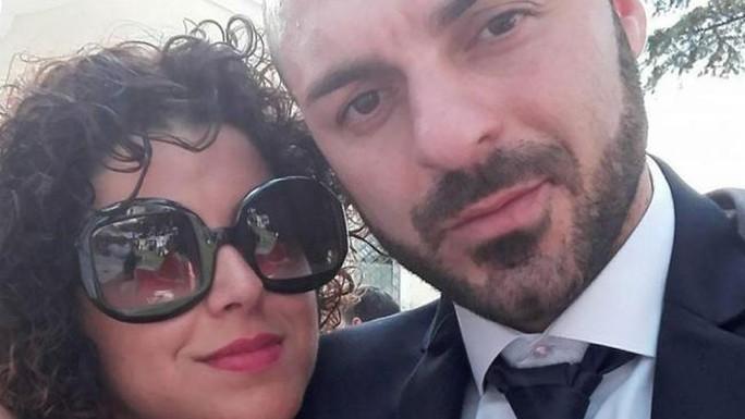 Fabio Di Lello và vợ Roberta Smargiasi. Ảnh: Facebook