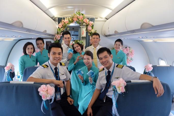 """Phi hành đoàn của chuyến bay """"Fly with Heart"""""""