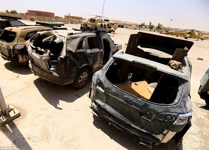 """Iraq: Tham quan """"nghĩa địa"""" xe đánh bom tự sát của IS - Ảnh 10."""